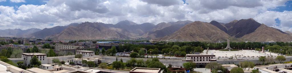 Panorama von Lhasa, aufgenommen im Potala Palast