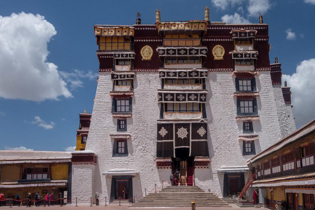 Das Zentrum des Palastes. Ganz oben befinden sich die Gemächer des Dalai Lamas.