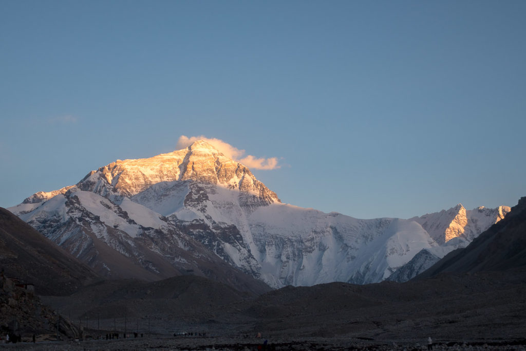 Der Mt. Everest bei Sonnenuntergang